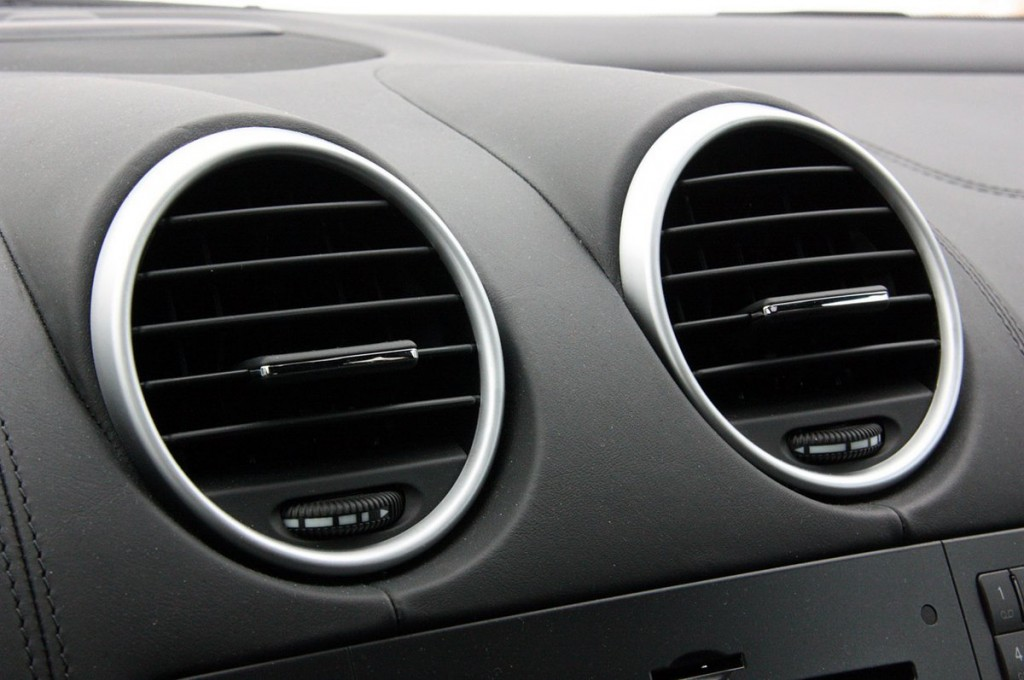 mercedes benz ml63 amg interior air conditioner